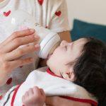 photo-maman-bebe-le-biberon